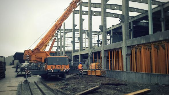 Bühler,hala ve výstavbě